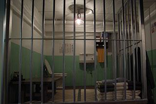 【悲報】性同一性障害が刑務所に入るとこうなる・・・