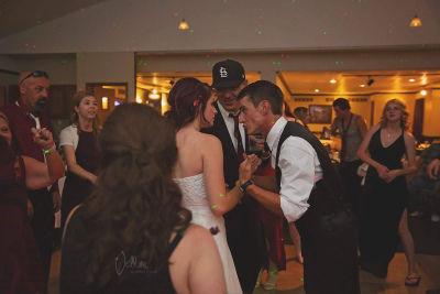 【画像】結婚式でお尻丸出しの花嫁のウェディングドレスの画像が大拡散し超絶話題に!!