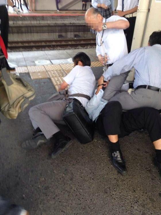 【画像】盗撮で捕まった男の末路wwwww