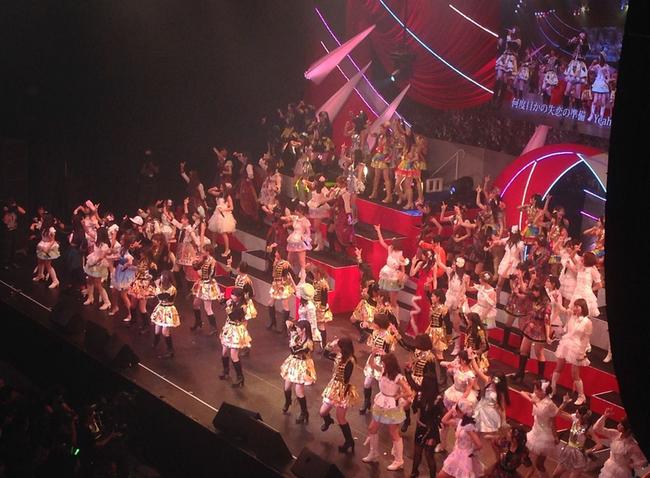 『第3回 AKB48 紅白対抗歌合戦』DVDが4月9日に発売!特典生写真も公開され「楽しみだ!」「金ヤバイ」「生写真!」と待望の声多数