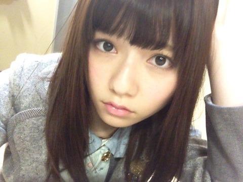 AKB48島崎遥香似の女性・山根の妹 「面白すぎる」「生理的にダメ」「腹が立つ」と炎上&絶賛の嵐
