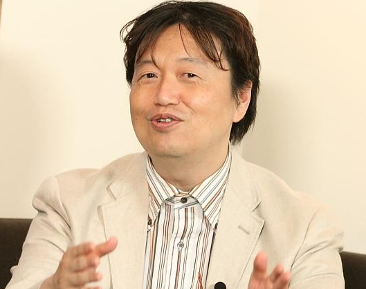 【AKB48】岡田斗司夫(55)さんが鋭い分析「なぜAKB襲った?犯人は『男らしさ』をこじらせた」 なお一部で「やるなら政治家襲えよ」発言に批判も