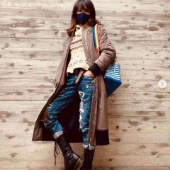 工藤静香、ダメージデニム&編み上げブーツ姿で大炎上「時が止まってる?」