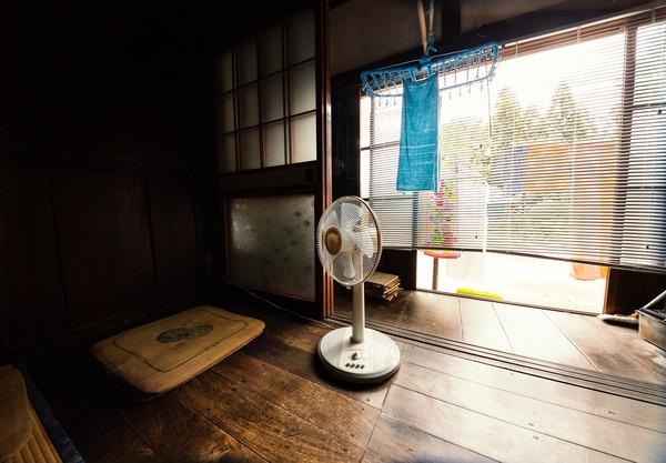 縁側の扇風機
