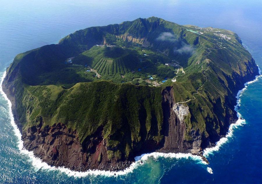 【画像】 ガチのマジで謎の島が見つかる 島 神秘的