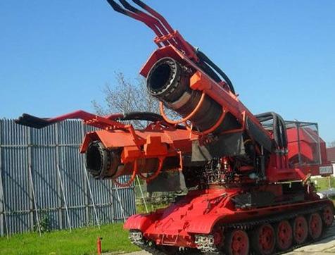 【画像】車体に戦車、戦闘機のエンジンを使用したハンガリーの消防車「ビッグウィンド」をご覧くださいwwwwwwww