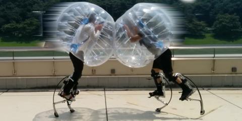 健常者から障害者まで誰でも参加できるロボット技術を使った新しい格闘技『バブルジャンパー』が話題に!