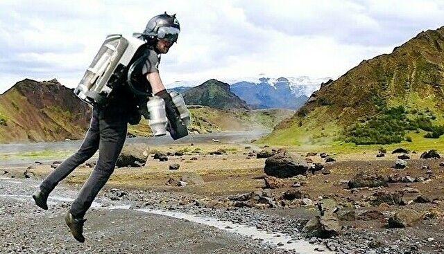 【動画】 フライングジェットでアイスランドの大地をひとっ飛びする!!
