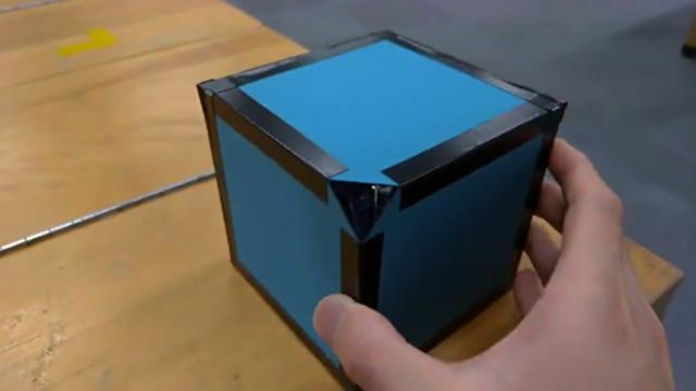 【動画】 6枚の鏡で作った三次元万華鏡が幻想的で素敵すぎwww!!