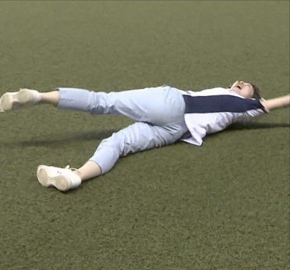 TBS宇内梨沙アナ(25)が野球場でお尻クッキリ