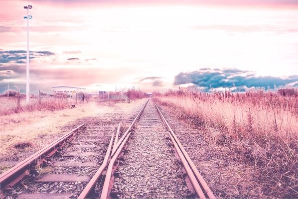 railway-track-3541758_960_720