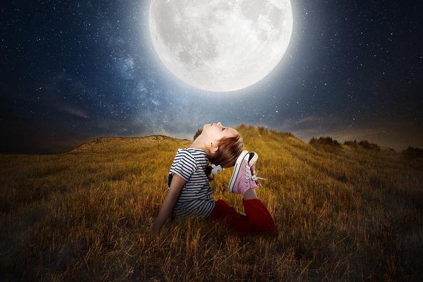moon-2270386_960_720