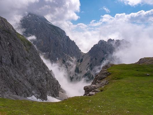 mountains-4349525_960_720