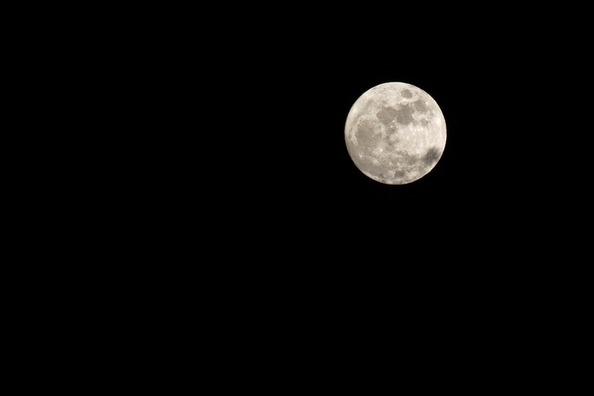 luna-686270_960_720