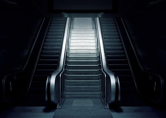 escalator-769790_960_720