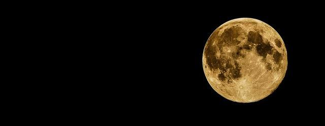full-moon-415501_960_720