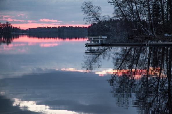 lake-1365385_960_720