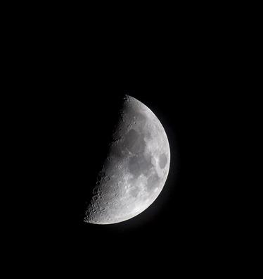 moon-2013903_960_720