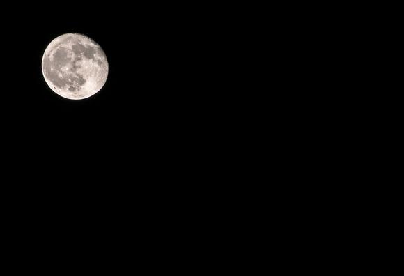 moon-3639228_960_720