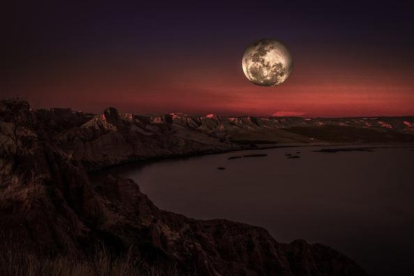 moon-4140538_960_720
