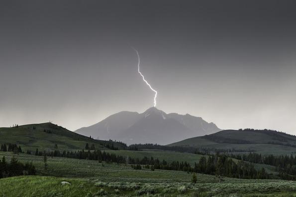 lightning-880154_960_720