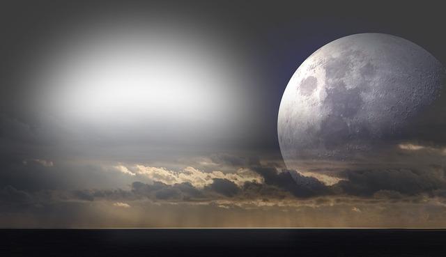 moon-2304103_960_720