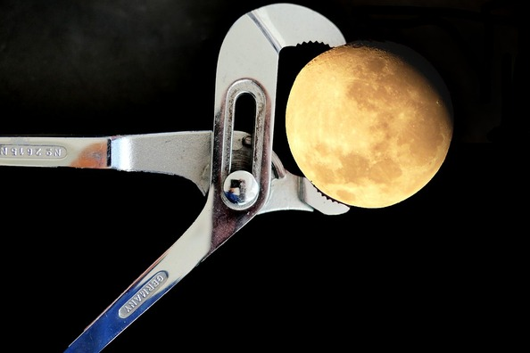 moon-3832151_960_720