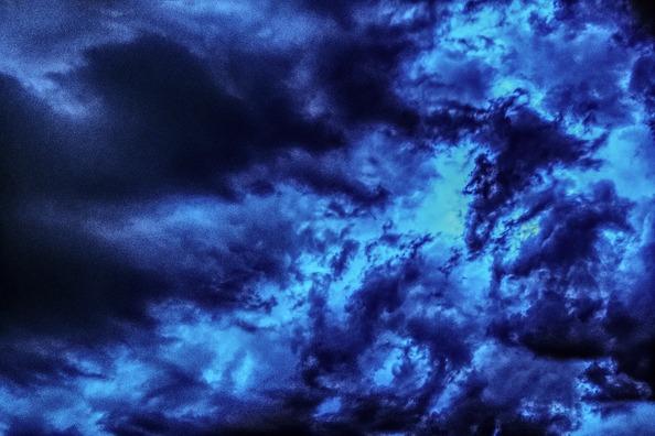 thunderstorm-2358390_960_720