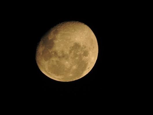 moon-2041311_960_720