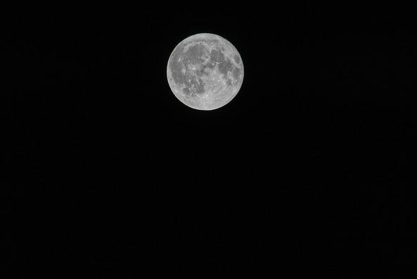 moon-3917754_960_720