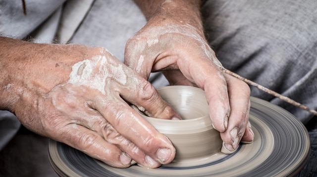 hands-1139098_960_720