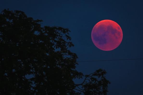 blood-moon-3570417_960_720