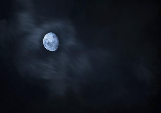 moon-4537913_960_720