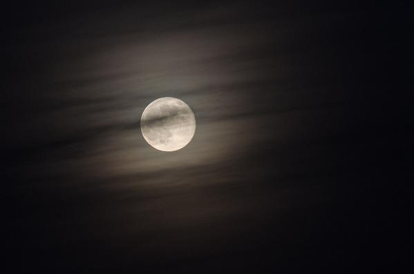 moon-2305790_960_720