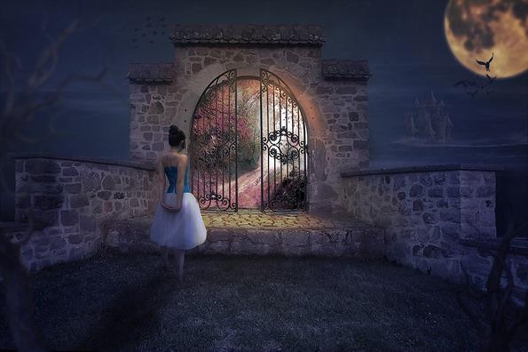 architecture-dream-woman-3094396_960_720