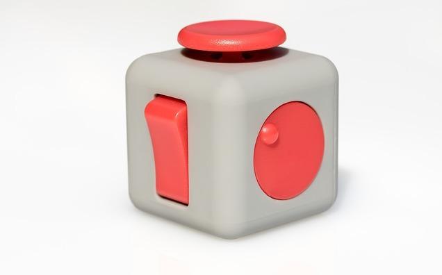 fidget-cube-2364000_960_720
