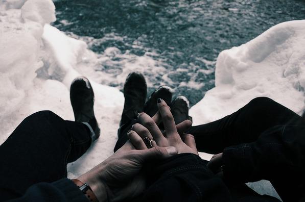 hands-1246598_960_720