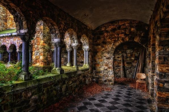 monastery-4019365_960_720