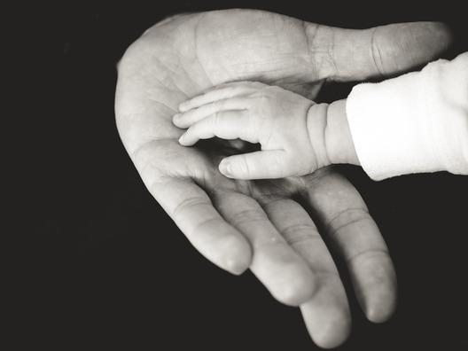 hands-918774_1920