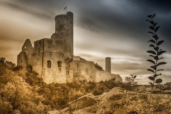 castle-3681854_960_720