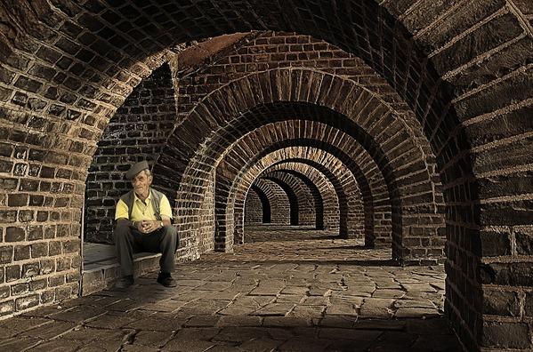 tunnel-946606_960_720