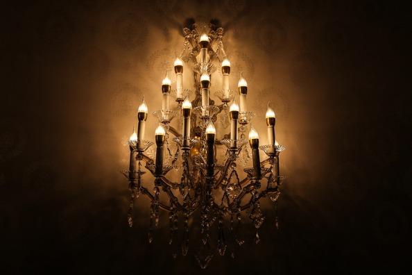 chandelier-1081740_1920