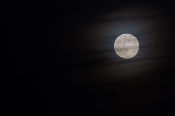 moon-2305791_960_720
