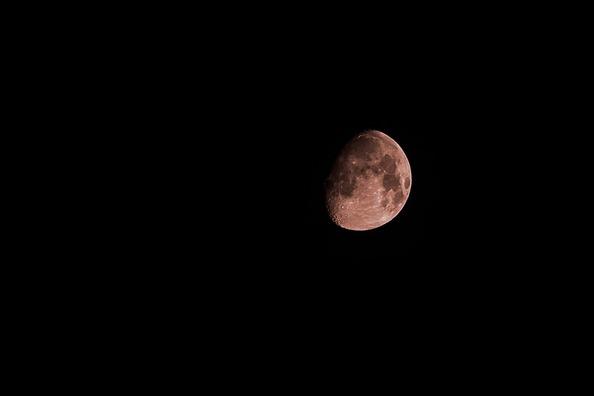 moon-2393986_960_720