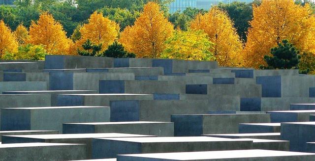 memorial-255507_960_720