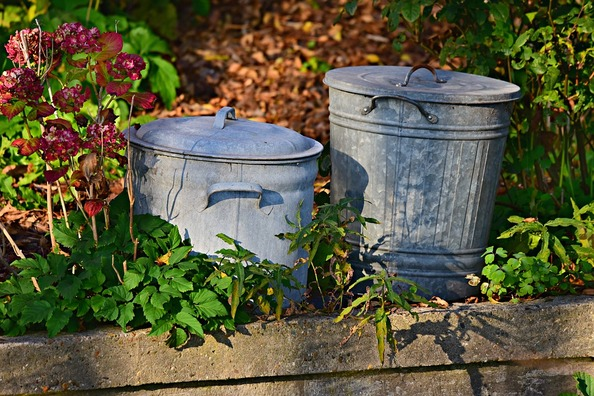trash-can-3755341_960_720