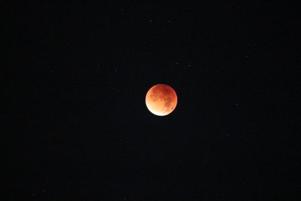 moon-1400174_960_720