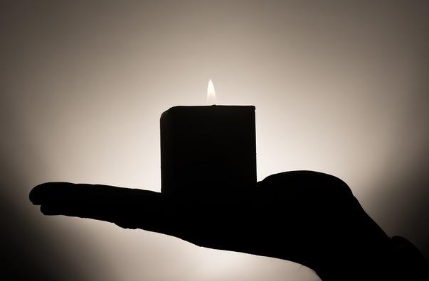 candle-335965_960_720