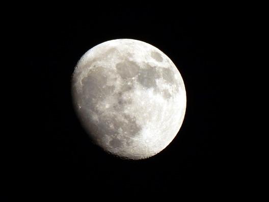full-moon-1831070_960_720