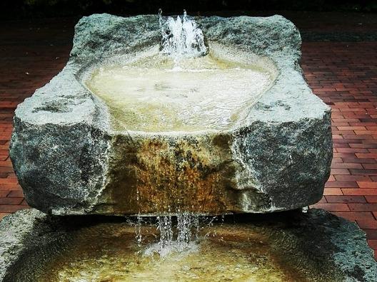 fountain-1644258_960_720